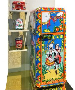 Stunning, hand painted appliances - the result of a collaboration between SMEG, known for retro 50's kitchen appliances, and Dolce + Gabbana.
